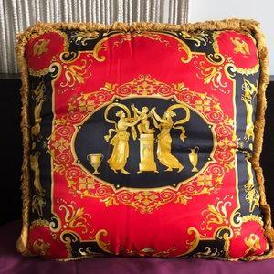 Versace pillow!✨